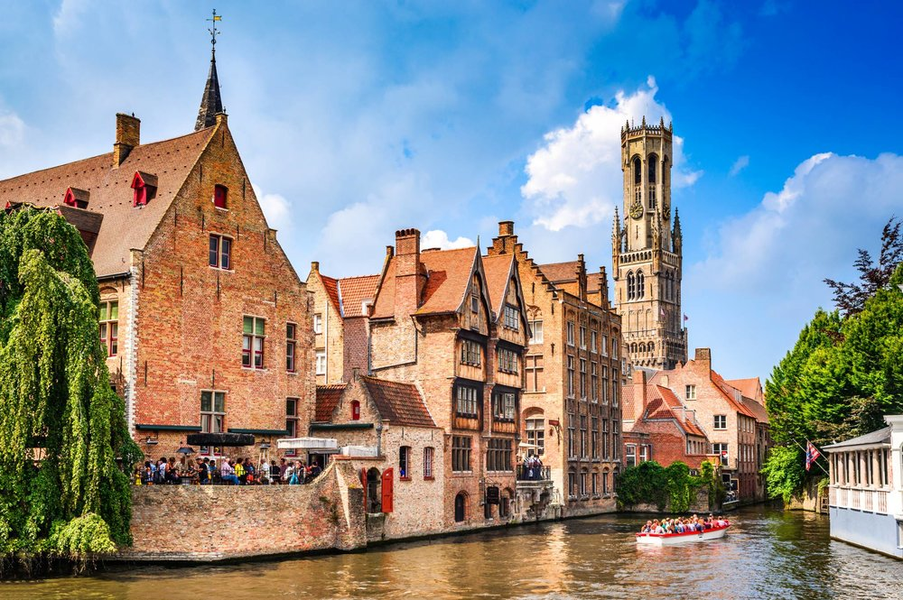 Enjoy Bruges canals with eTips Travel Guide