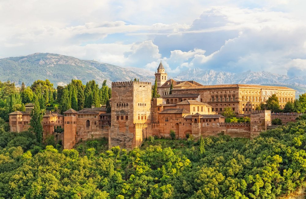Travel to Granada with eTips Travel Guide for iPhone, iPad and iPod