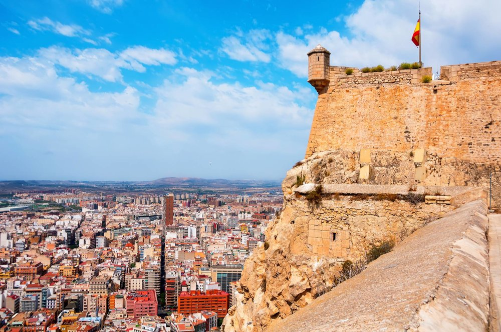 Travel to Alicante with eTips Travel Guide for iPhone, iPad and AppleWatch