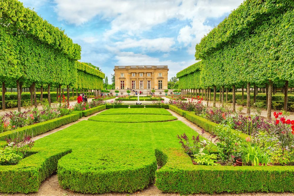 Travel to Versailles palace with eTips Travel Guide