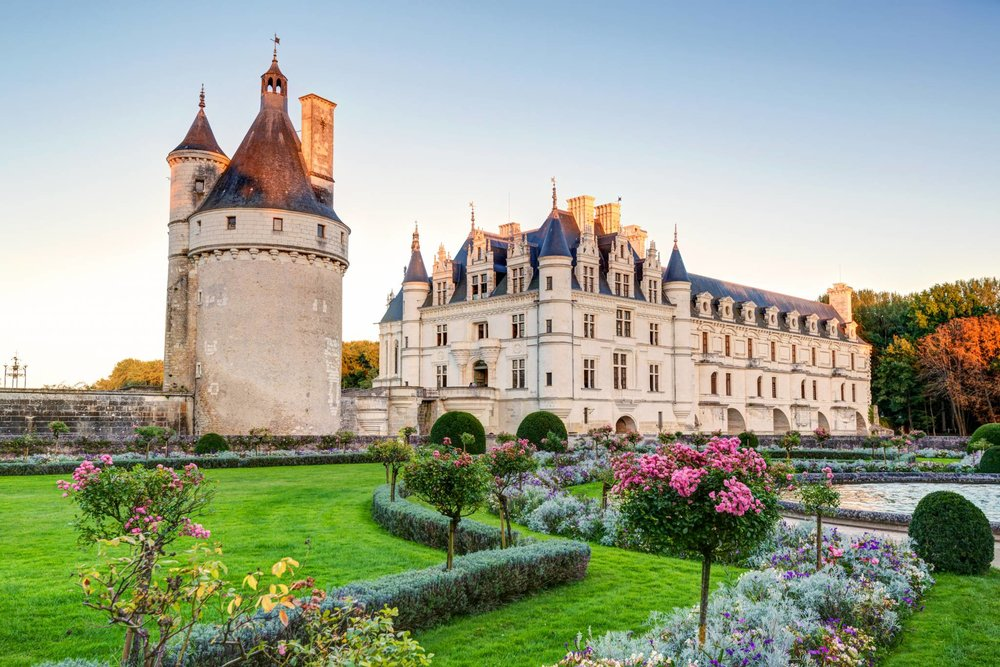 Travel to Loire Valley with eTips Travel Guide