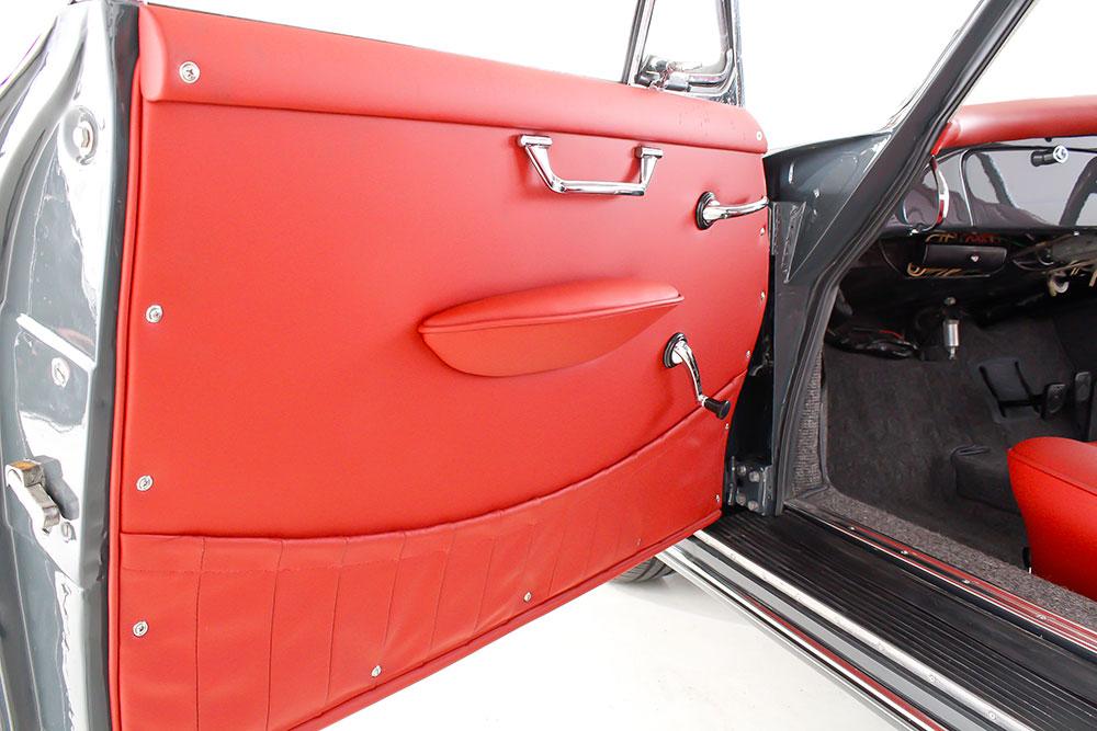 porsche-365-leather-door-panel