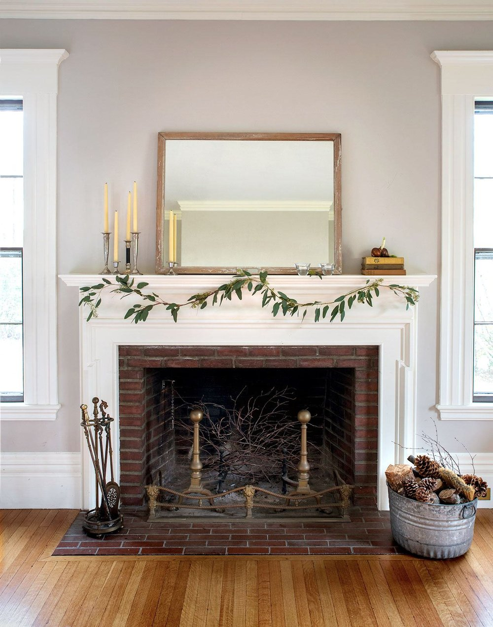 diy-budget-holiday-mantel-full-1.jpg