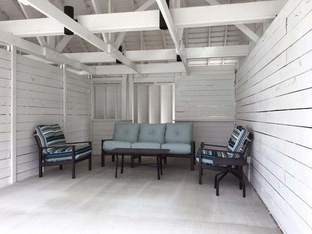 Showfield_poolside-cabana-interior.jpg