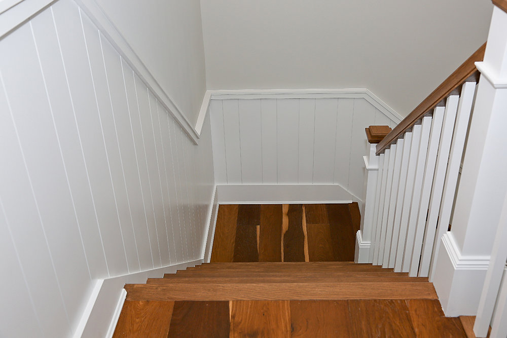CanalfrontBuilders_wainscoting-stairs.jpg