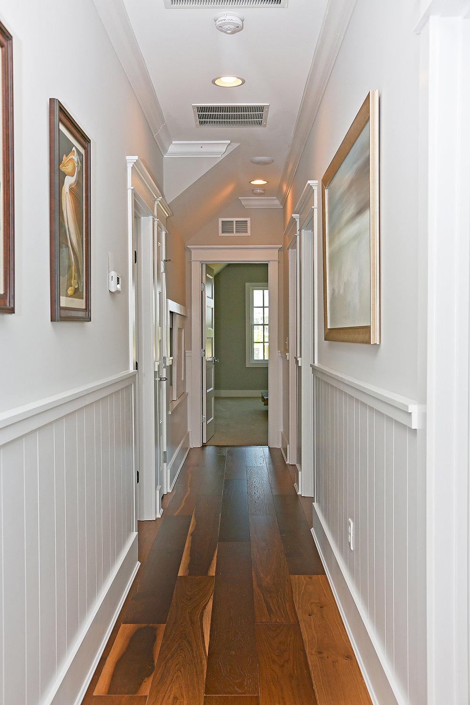 CanalfrontBuilders_wainscoting-hallway-4.jpg