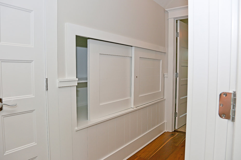 CanalfrontBuilders_wainscoting-built-ins.jpg