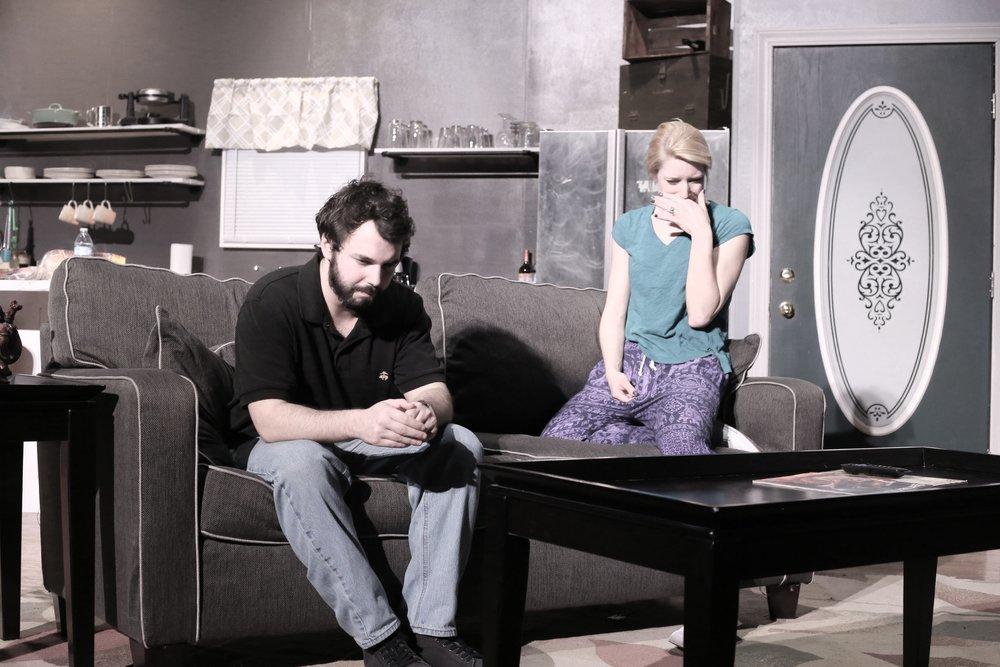 Afton Shepard (Sarah)- Colin Landsberg (Ej)