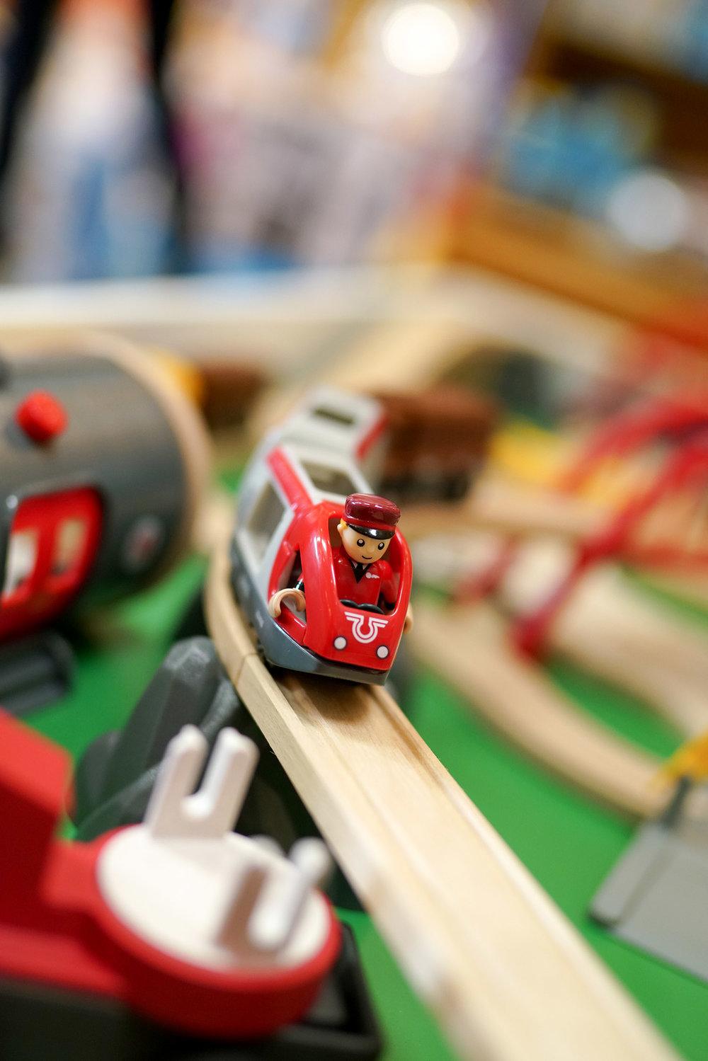 SC Toys - BRIO train set