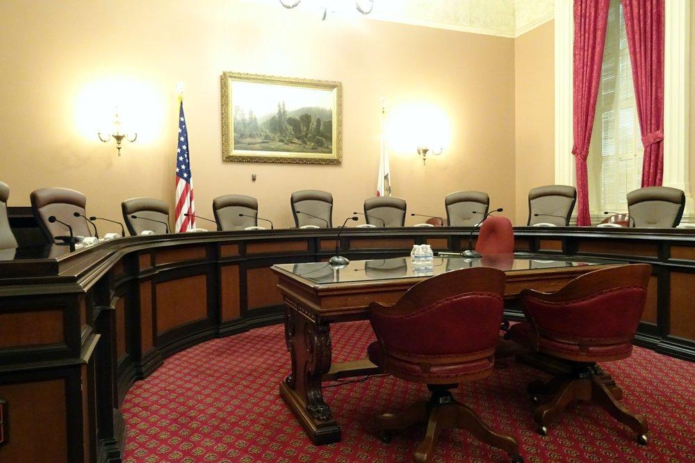 committee-room-1022791.jpg