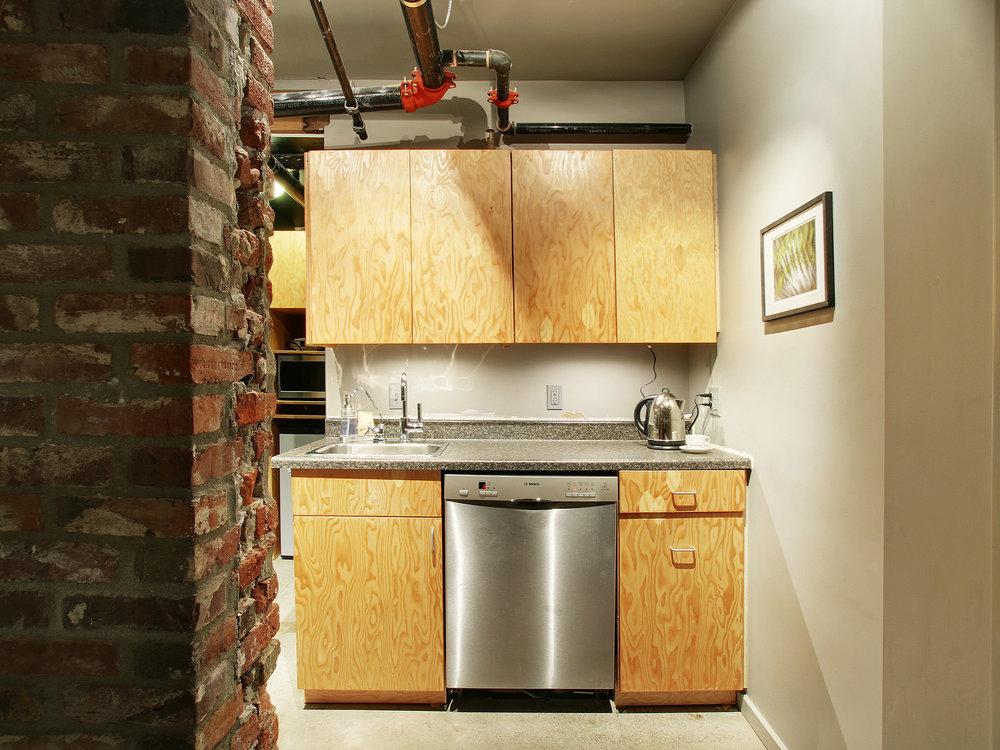 03-Kitchen-01_web.jpg