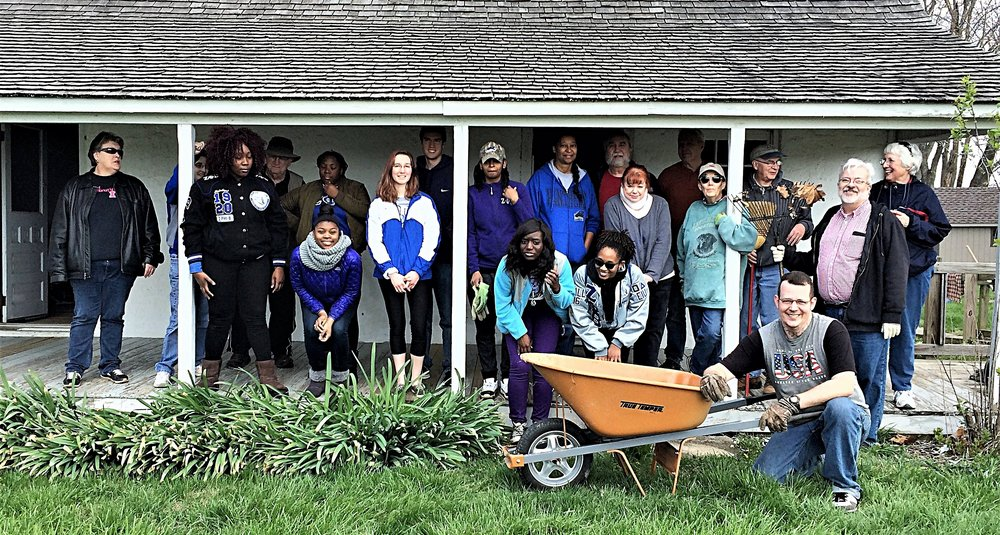 2017 FMH Cleanup Day 001.jpg