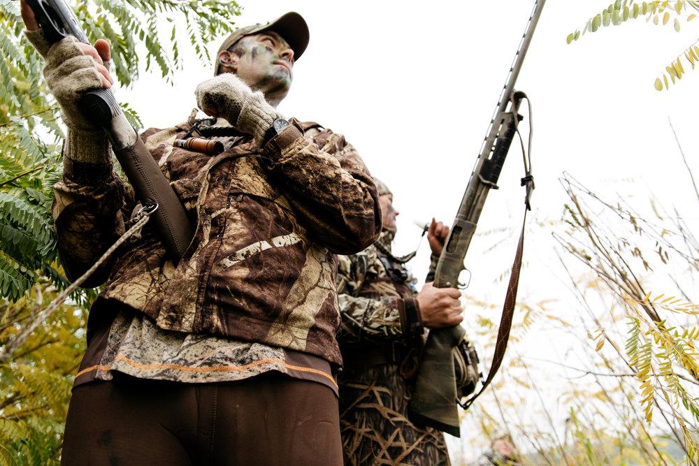 portland-oregon-pdx-pnw-waterfowl-duck-hunting-camo-swamp-mallard-ducks-geese-goose-shotgun-gun-hunters-decoys-gylfphe-photography-documentary-36