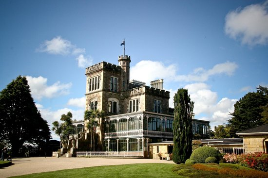LARNACH CASTLE & GROUNDS