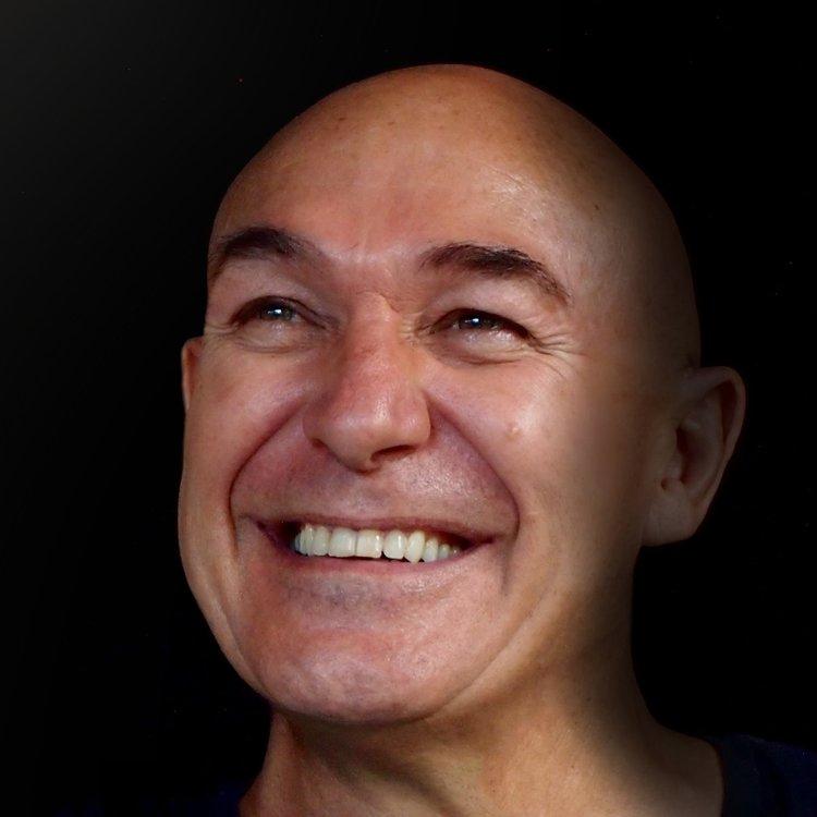 Peter+Caughey Headshot.jpg