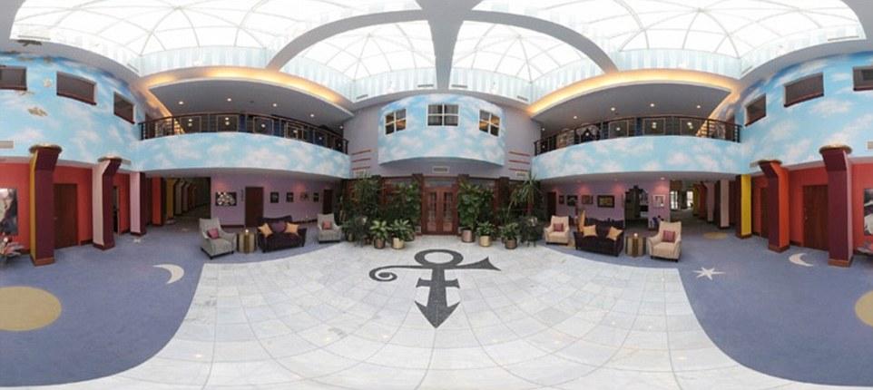 Extravagent-Lobby-Area.jpg