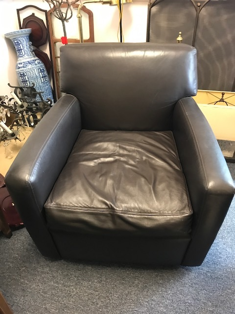 leather club chair.jpg