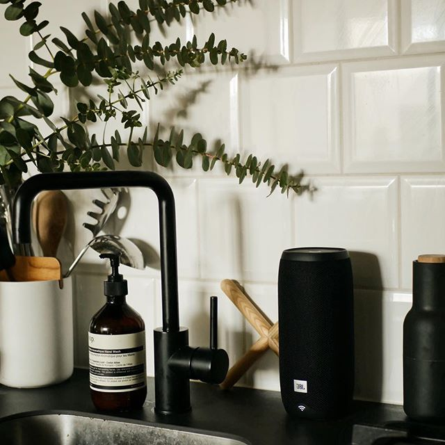 Our @jblaunz #JBLLink20 sitting pretty in the kitchen, playing our favourite 90s boyband playlist while cooking up a Friday feast 🕺🏻 (made easier by hands-free voice recognition and did we mention its waterproof?!) If that didn't seal the deal, get 25% off when you enter JBL25OFF at the checkout, valid until end of this month • • • • #jbl #link20 #ad