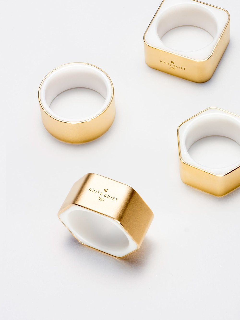 quite-quiet-berlin-frames-ceramics-fairtrade-gold.jpg
