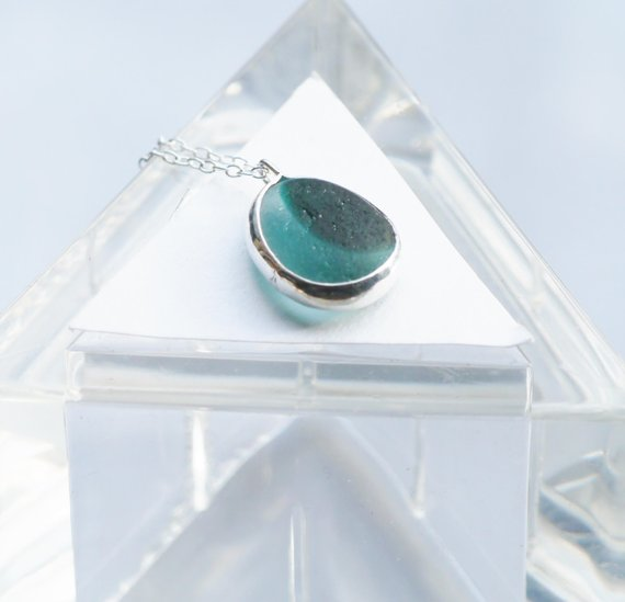 Seawitchseaglass - Beautiful jewellery featuring Seaham sea glass which is collected during long walks along the coastline and is all hand made on a lovely narrow boat.
