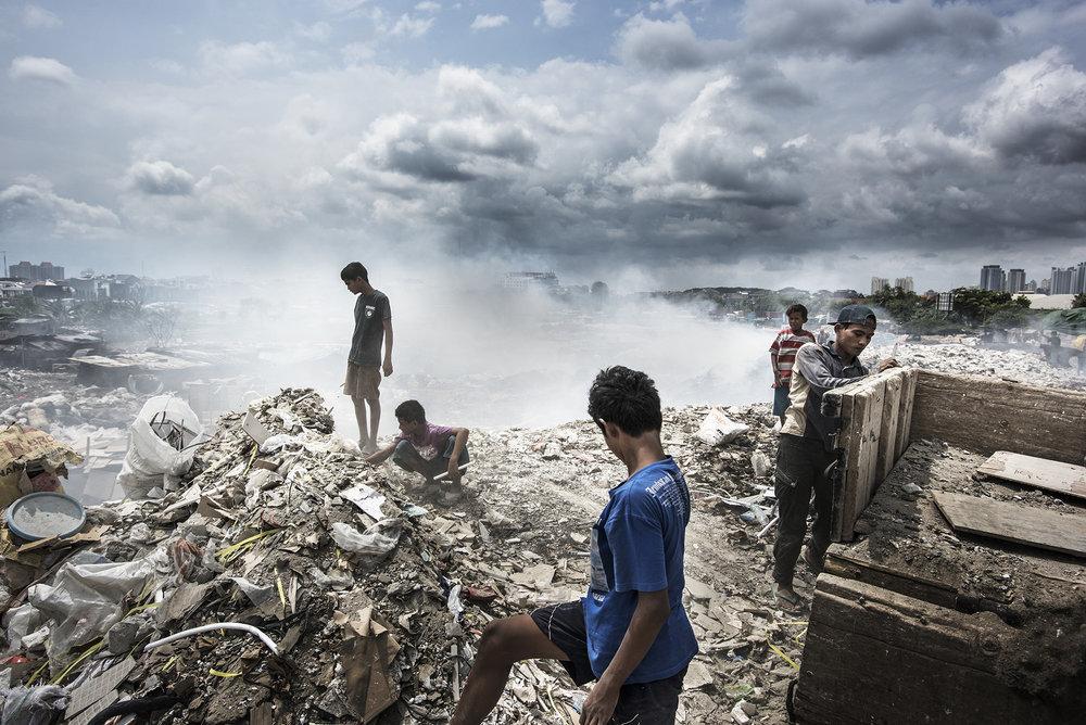 Indonesia, Jakarta, 20 February 2016A smaller waste dump in Eastern Jakarta. Many building materials are being brought here.Kadir van Lohuizen / NOOR