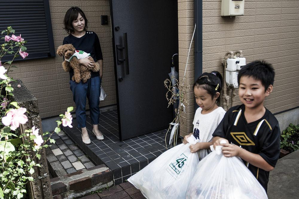 Japan, Tokyo, Saitama, 19 August 2016Garbage day. Yoko Otsuka (36) and Shigeru Otsuka, (42) live with their four children in Fujimi city in Saitama prefecture, Tokyo. The family separates all their waste.Kadir van Lohuizen / NOOR