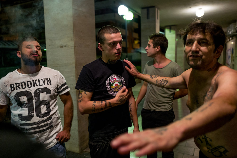 Marco, Alberto and Ciccio discuss about the ultras world.
