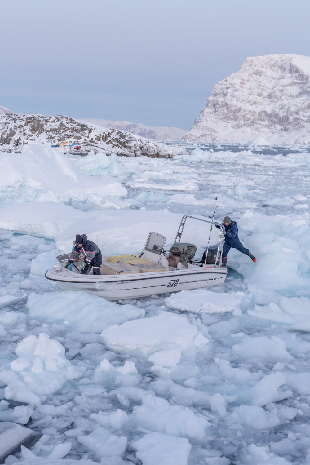 When the ice gets thicker around Uummannaq, it is difficult for the fisherman to navigate. In 2018, the sea around Uummannaq was frozen only in mid-February, alarmingly late compared to the years before, due to a very warm winter. The sea ice almost melted in the first week of March 2018 when Greenland was hit by the warmest temperatures ever recorded during that time of the year.