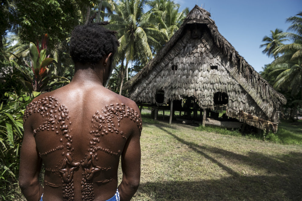 Every few years in Kandinge, Papua New Guinea a ceremony takes place where boys turn into manhood by cutting their skin and in this way simulating the pattern of a crocodile skin.