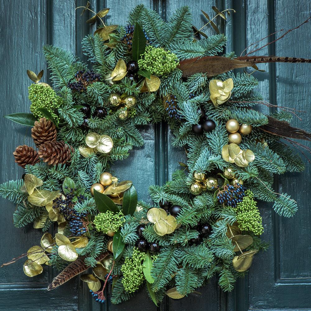 Christmas-wreaths-minehead-farmers-market