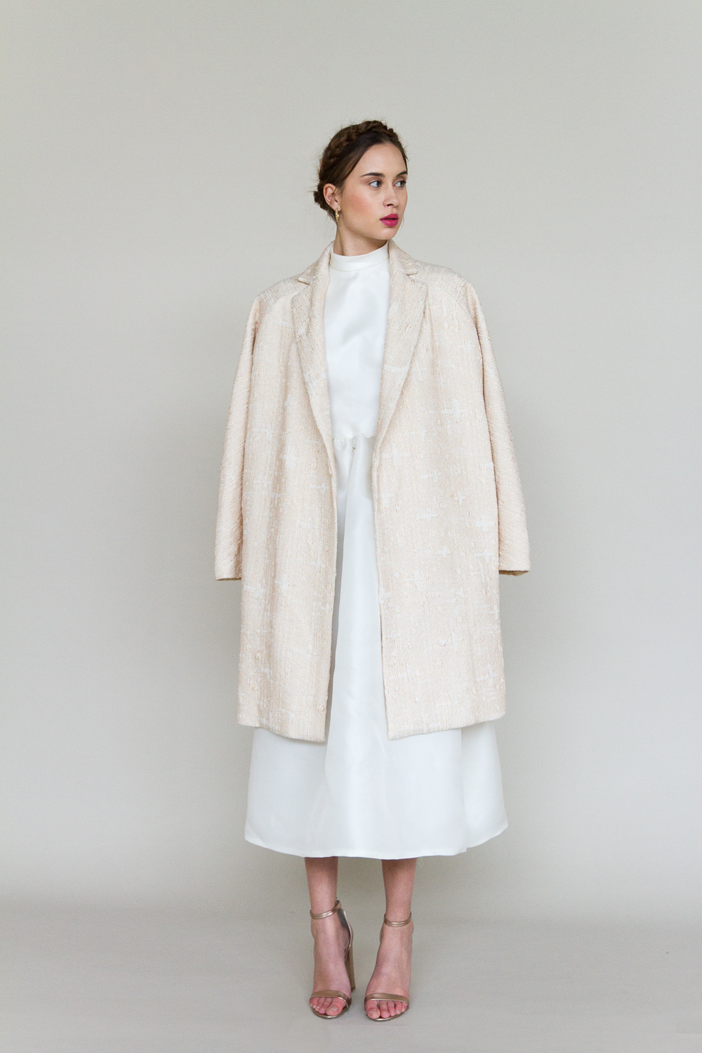 bessie-manteau-robe-de-mariee-valentine-avoh-wedding-dress-coat-dvt.jpg