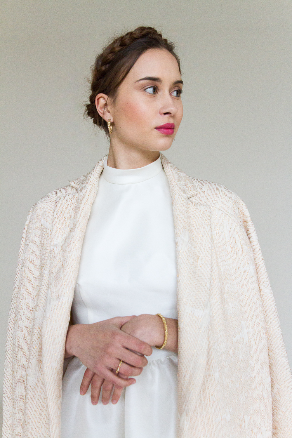 bessie-manteau-robe-de-mariee-valentine-avoh-wedding-dress-coat-detail.jpg