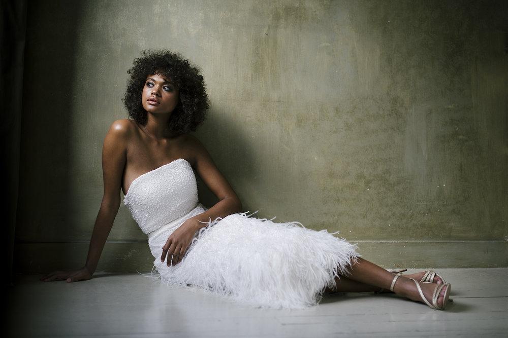 valentine-avoh-robe-mariee-plumes-ginger-wedding-dress-photo-elodie-timmermans-58.jpg