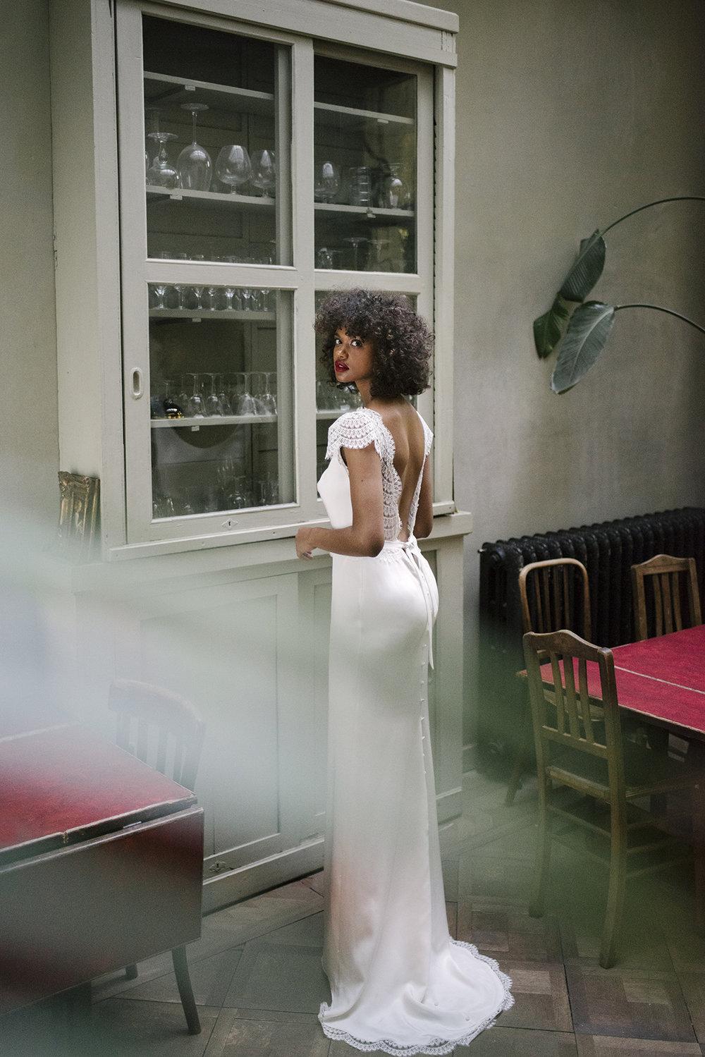 valentine-avoh-robe-mariee-dinah-dos-nu-wedding-dress-bruxelles-photo-elodie-timmermans-60.jpg