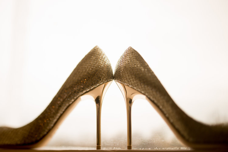 a56350bbdd40 5 simple tips to choose your wedding shoes — Mott Weddings