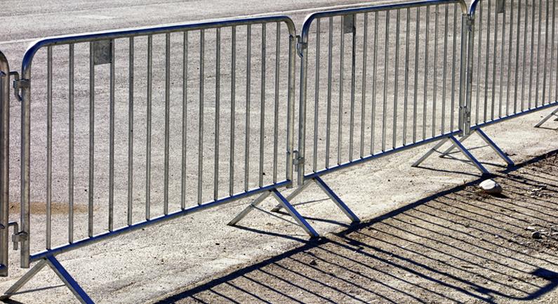 crowd-control-barrier-c2.jpg