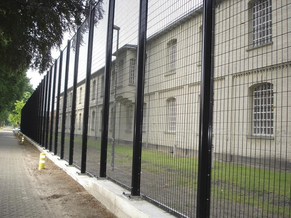 Securifor fengsel.jpg