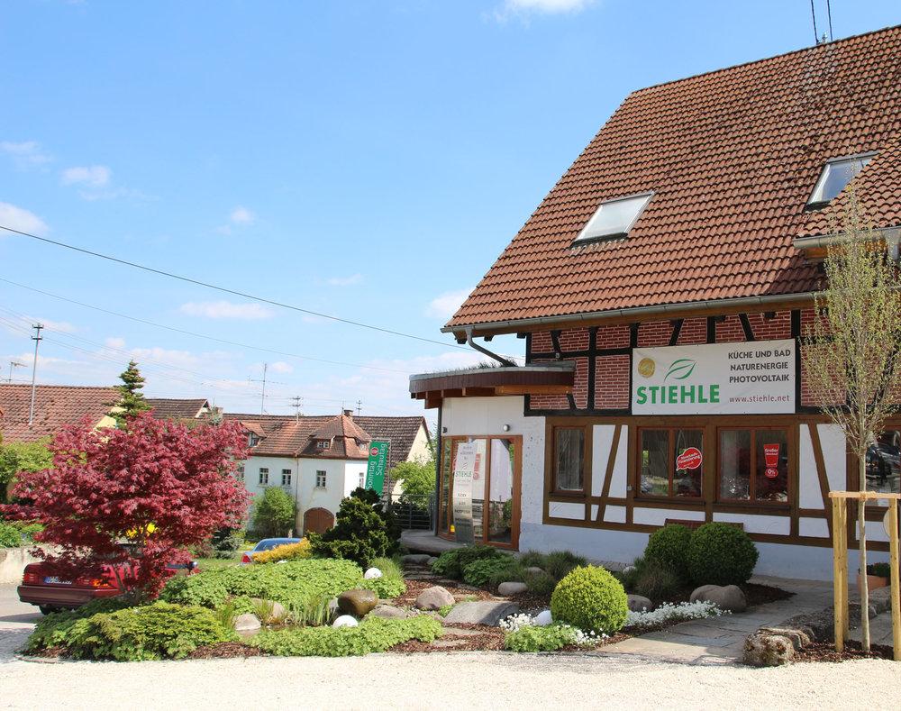 Schausonntag jeden 1. Sonntag im Monat - Auf großen Ausstellungsflächen in Oberwilzingen und Reutlingen können Sie sich selbst überzeugen und sich bei Kaffee und Kuchen beraten lassen.