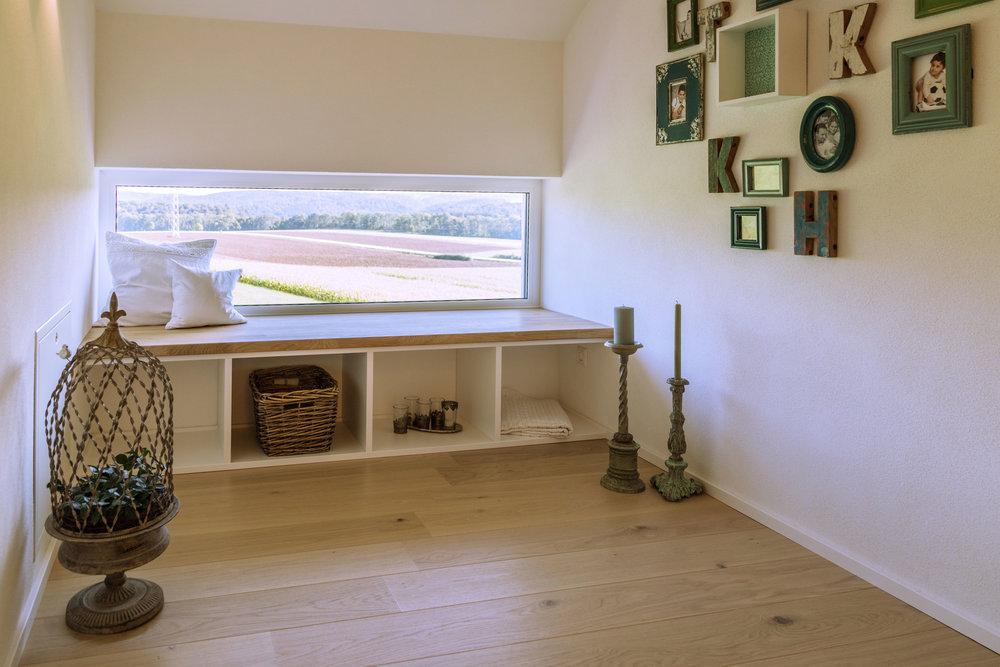 Modernisierung und Renovierung - Ergänzend zu Küche und Bad bieten wir eine Komplettlösung für jede Raummodernisierung: Malerarbeiten und Farbgestaltung, Türen, Schränke, Möbelstücke sowie Böden in einem ganzheitlichen Konzept.