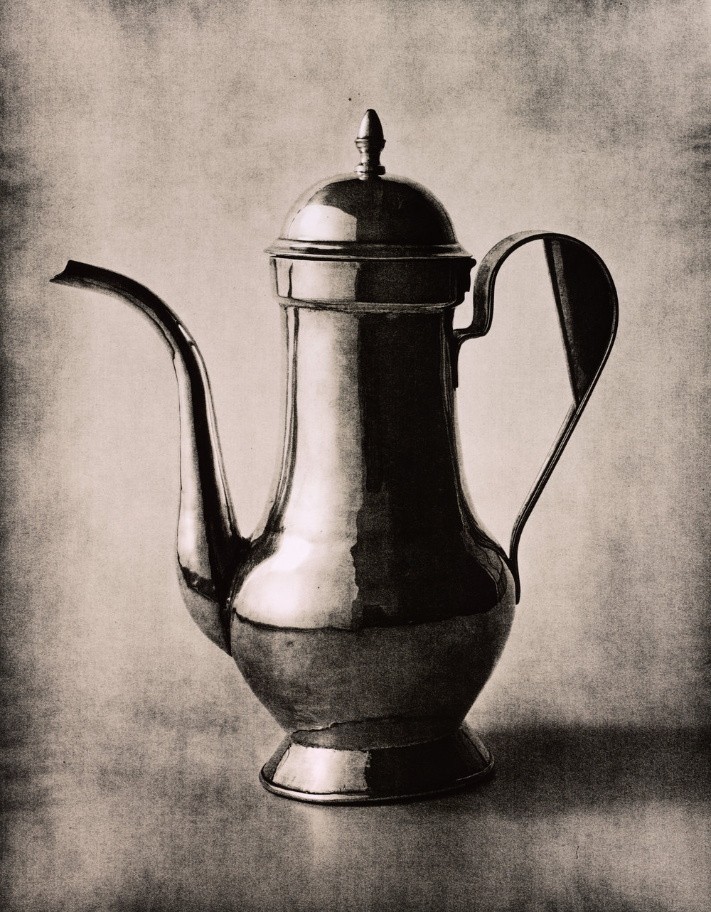 Coffee Pot , New York, 2007 Gelatin silver print © The Irving Penn Foundation