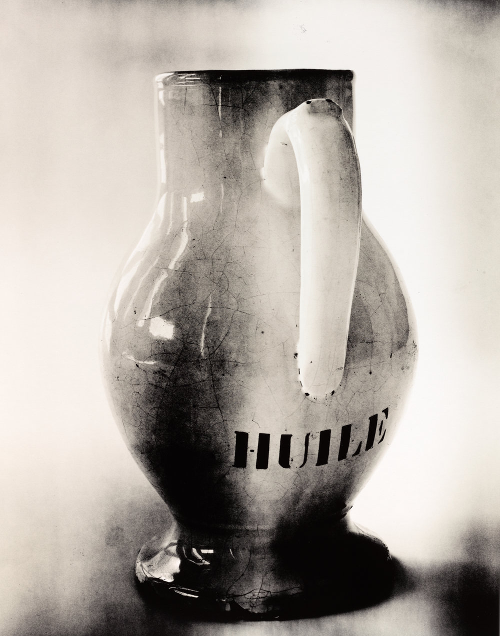 """Huile"" Pitcher , New York, 2007 Gelatin silver print © The Irving Penn Foundation"
