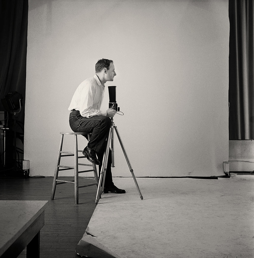 Robert Freson, Irving Penn in his studio at 80 West 40th Street, ca. 1954. Courtesy of Robert Freson