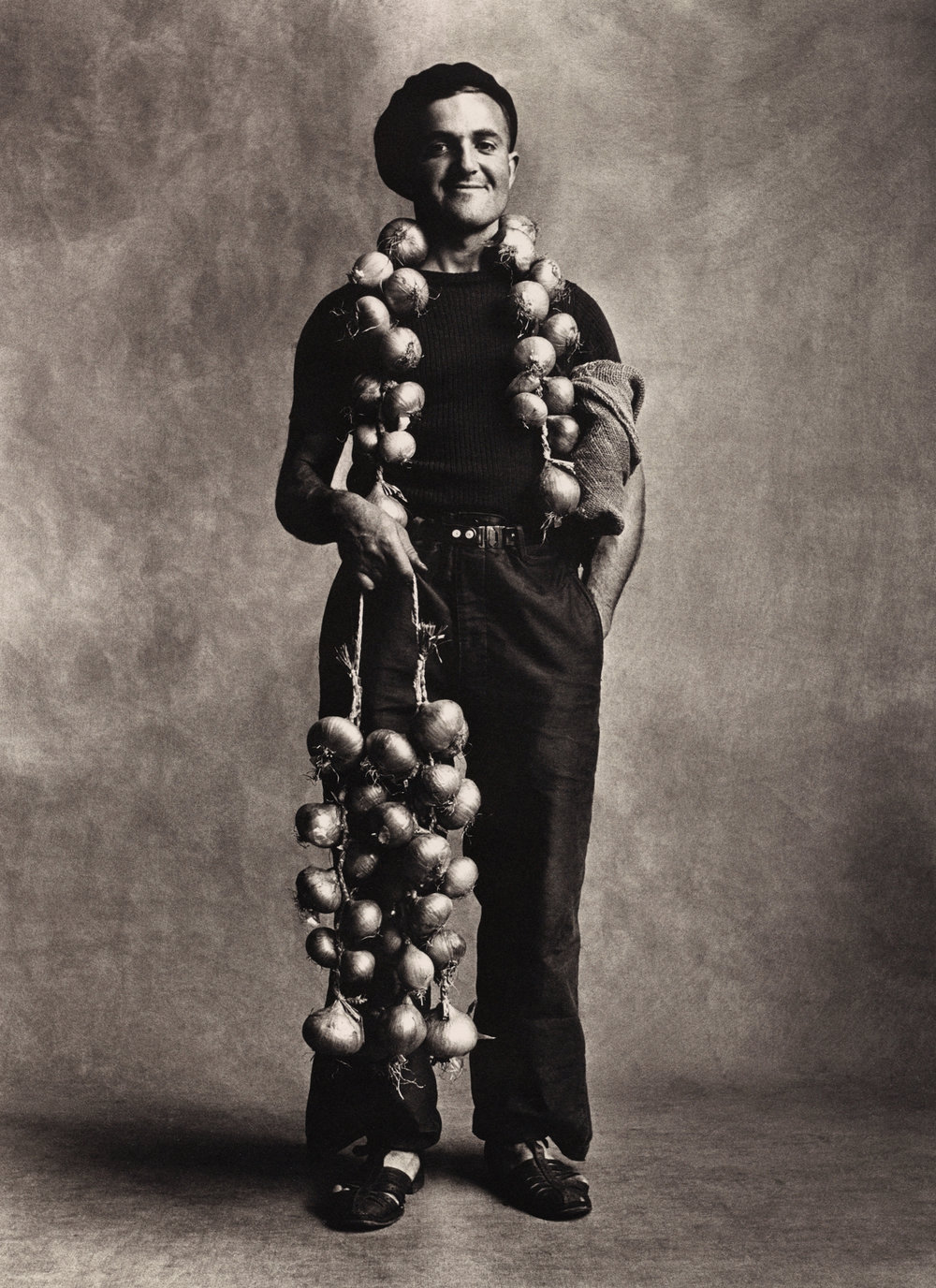 Breton Onion Seller , London, 1950 Platinum-palladium print © The Irving Penn Foundation