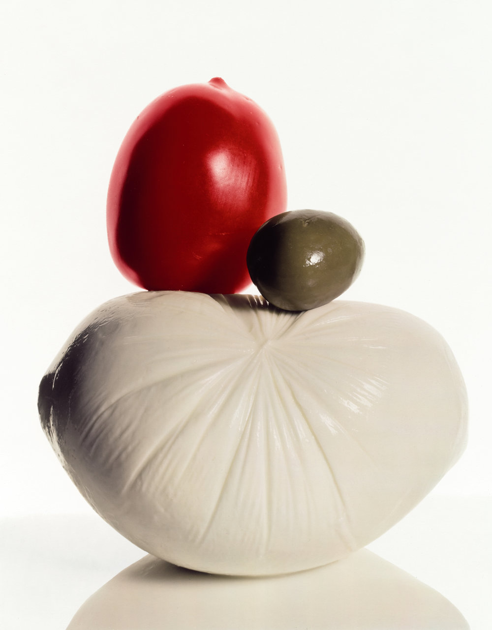 Italian Still Life (B) , New York, 1981 Dye transfer print © The Irving Penn Foundation