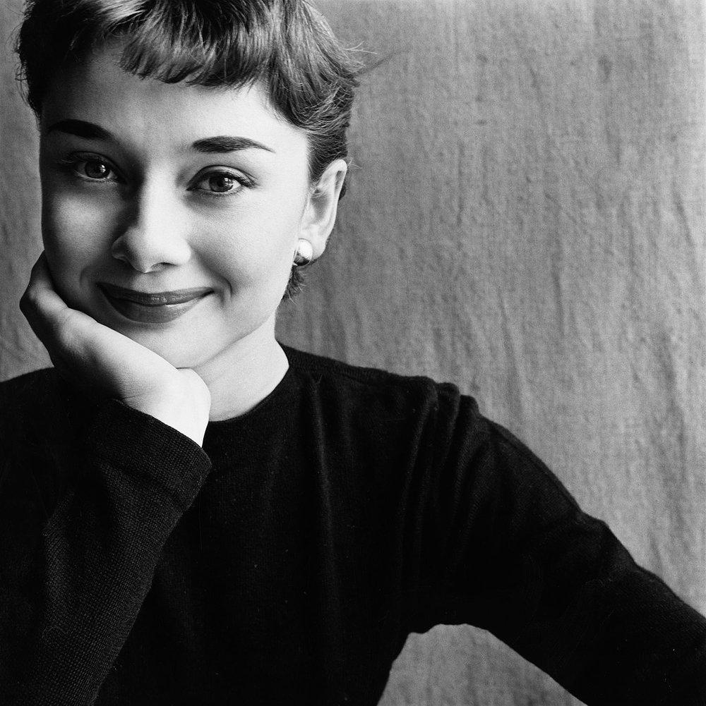 Irving Penn,  Audrey Hepburn , Paris, 1951. © Condé Nast