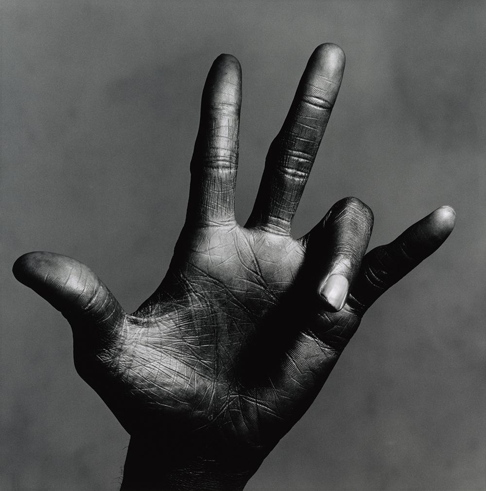 Irving Penn,  The Hand of Miles Davis (C)  ,  New York, 1986  ©  The Irving Penn Foundation