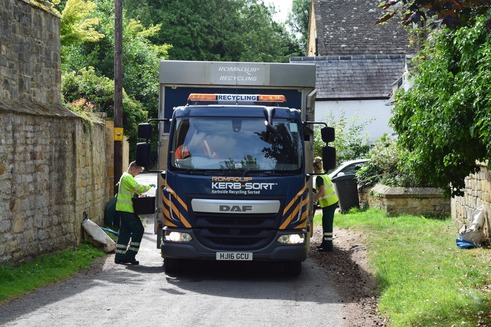 - For maximum safety the vehicle is designed to be fully loaded from the safety of the kerbside (with the exception of food). When safe to do so, loading is possible from both sides of the vehicle simultaneously, significantly improving the potential speed and efficiency of your collections.