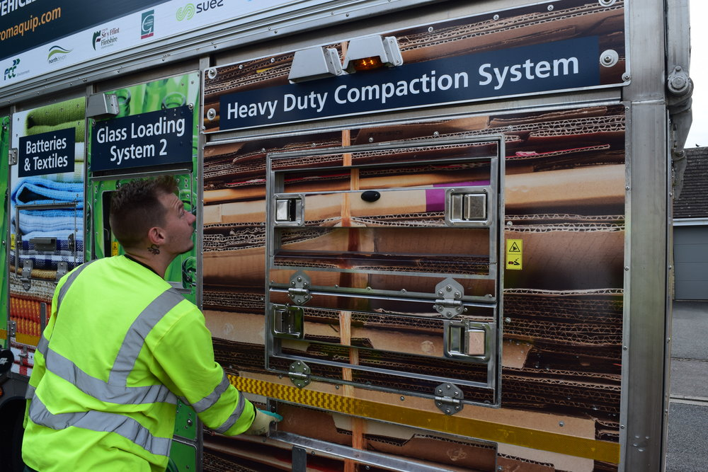 - The new heavy duty cardboard compaction system can compact up to 1 tonne of cardboard and is automatically controlled from the nearside of the vehicle.