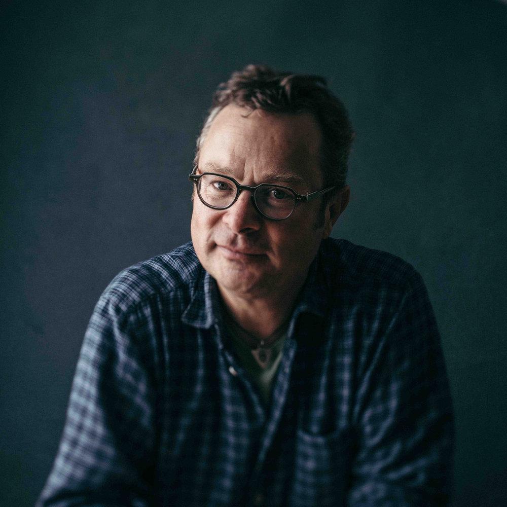 Hugh Fearnely-Whittingstall portrait square.jpg
