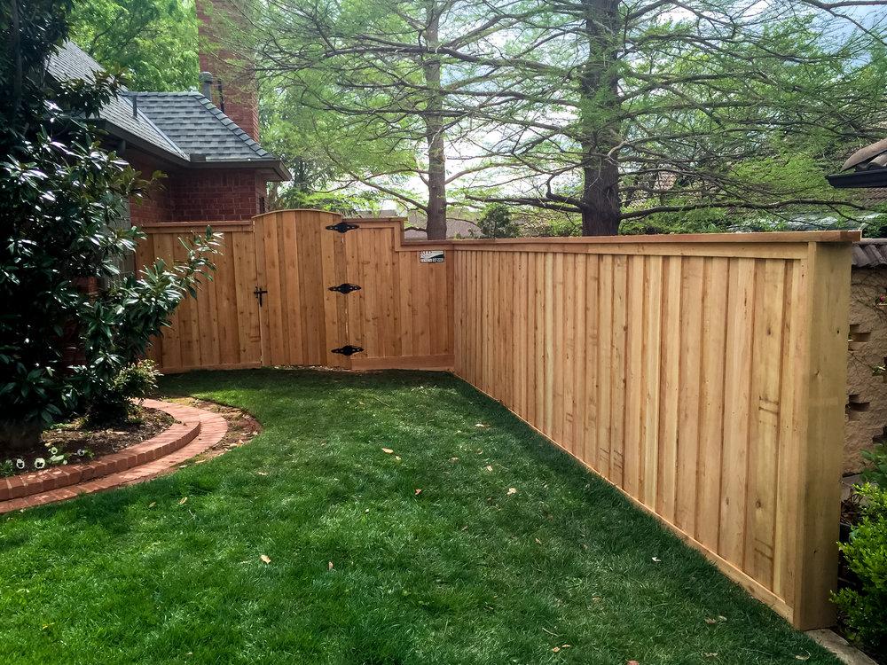 custom-cedar-fence-gate-redriverfence-2.jpg